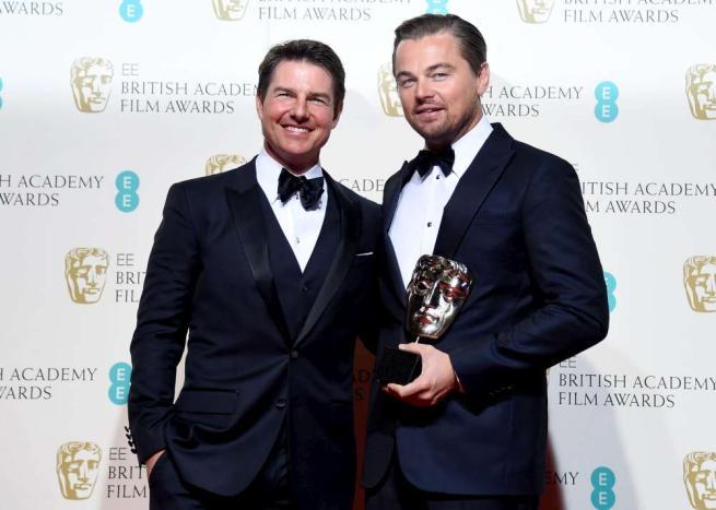 Tom Cruise, sul red carpet con Leonardo DiCaprio e... un ritocchino esagerato