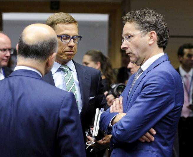 """Schaeuble: """"Grexit per 5 anni"""", no dell'Ue Ex troika: """"Contagio con collasso banche"""""""