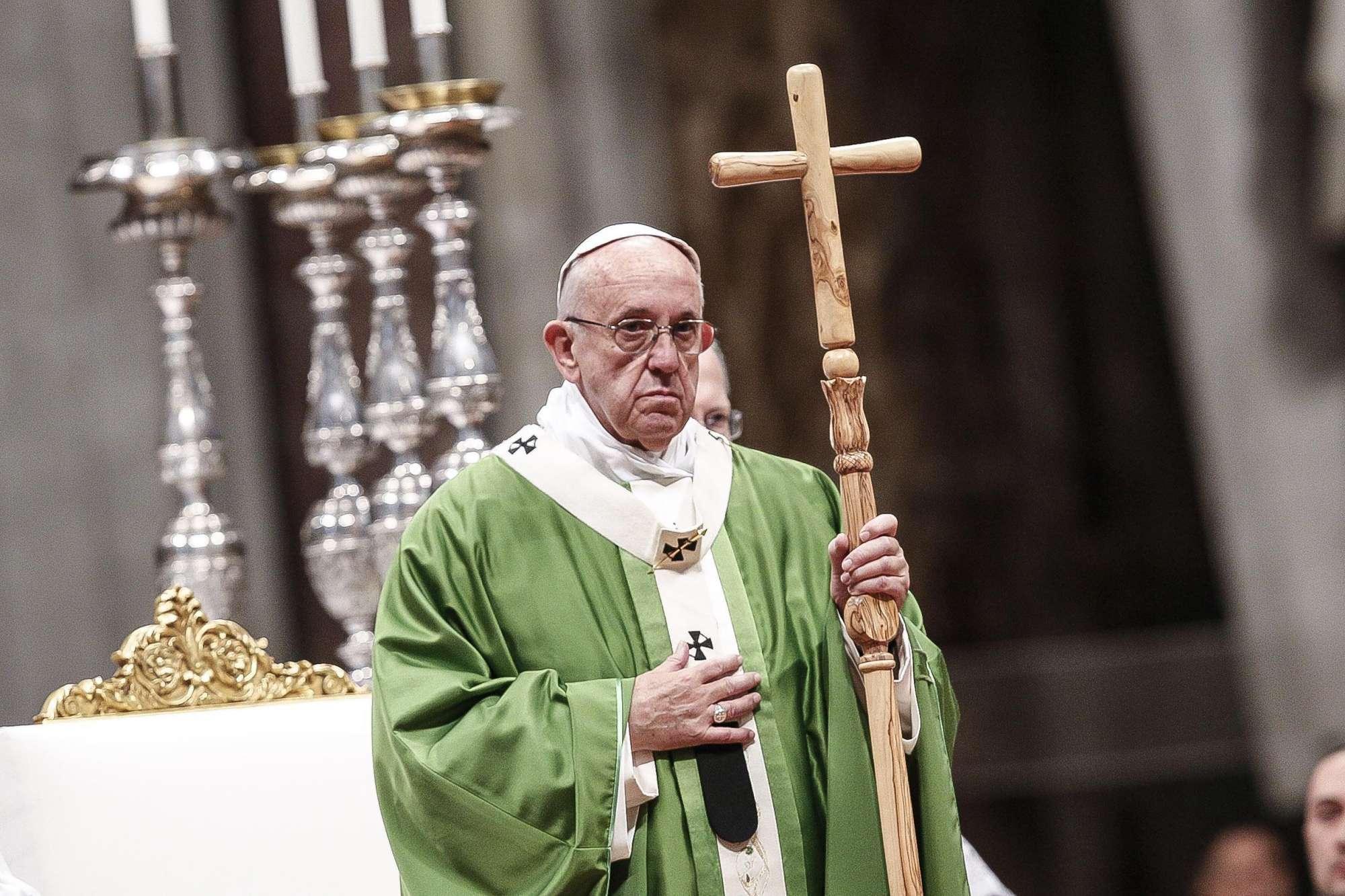 Papa: atto di clemenza per i carcerati