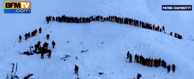 """Francia, valanga travolge studenti: tre morti Bufera sul professore, """"l'allerta era elevato"""""""