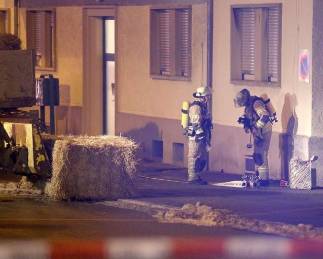 Germania, lanciata una granata contro un centro per rifugiati: attentato fallito