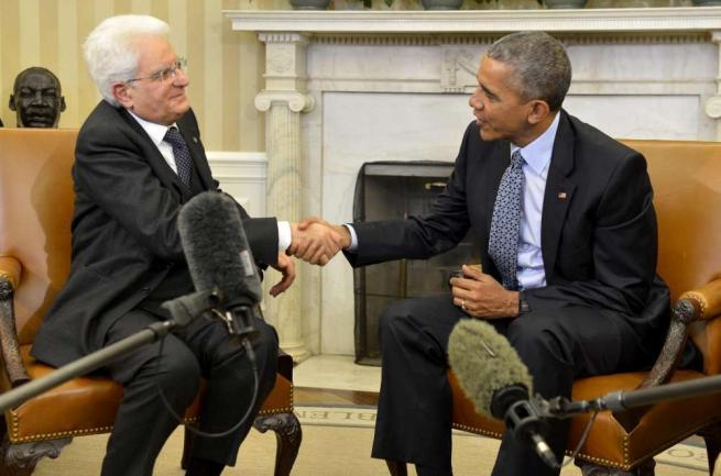 """Mattarella, incontro alla Casa Bianca con Obama: """"Uniti contro i nemici della pace"""""""