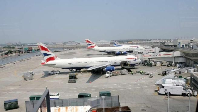 Aeroporto New York Jfk : New york allarme bomba all aeroporto jfk controlli su un
