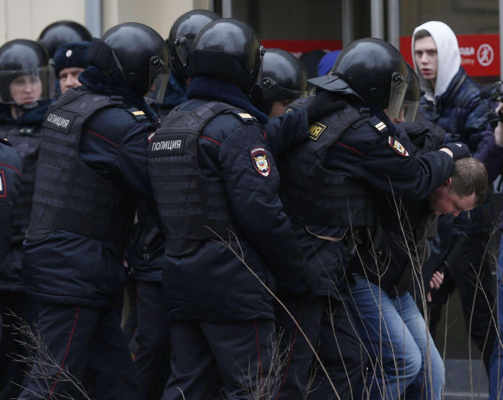 Il pugno duro di Mosca Navalny condannato