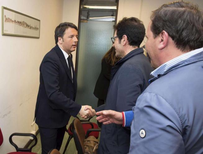 Esuberi Whirlpool, Renzi incontra operai