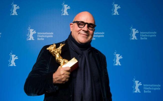 Berlino, Orso d'oro a Gianfranco Rosi per il film sui migranti che muoiono in mare