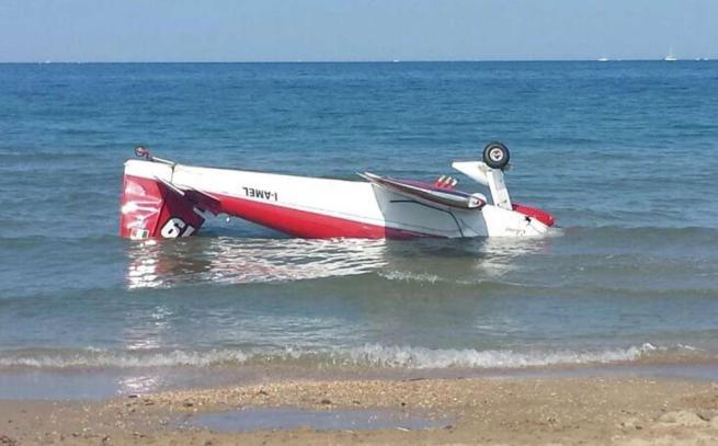 Aerei acrobatici, scontro in volo Abruzzo, morto uno dei due piloti