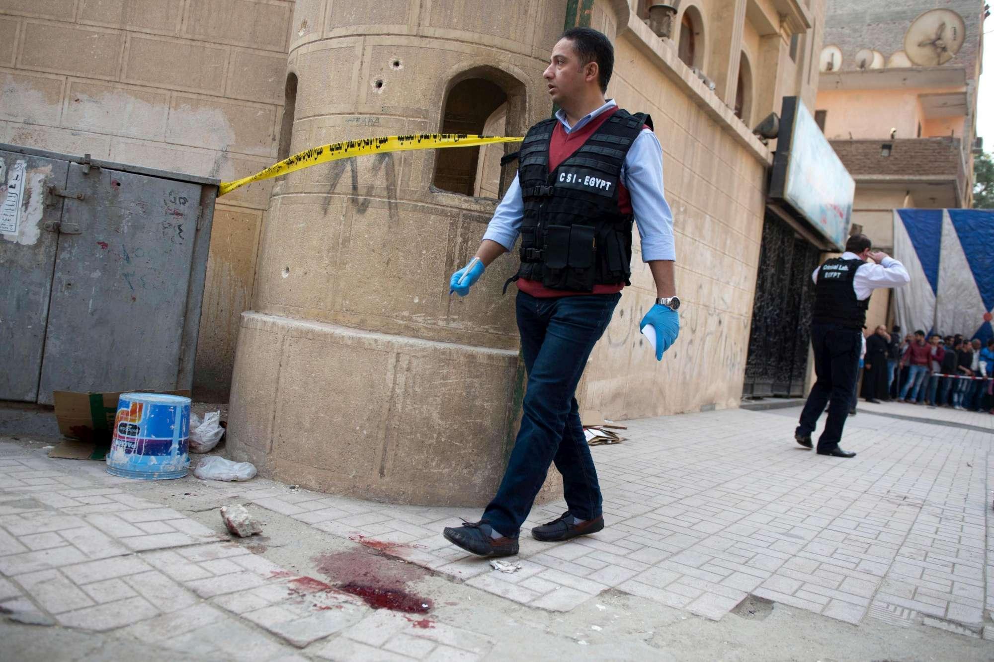 Egitto: salito a 10 morti bilancio attacco a chiesa copta