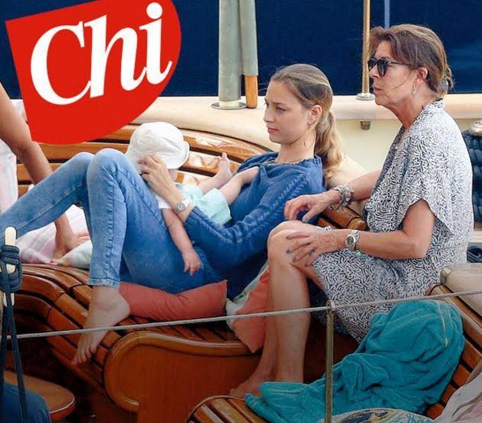 Le immagini di Beatrice Borromeo e Stefano Casiraghi in crociera con il figlio