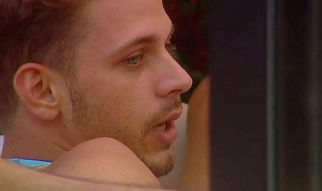 """Grande Fratello 14, Igor piange pensando al fratello: """"E' la mia famiglia"""""""