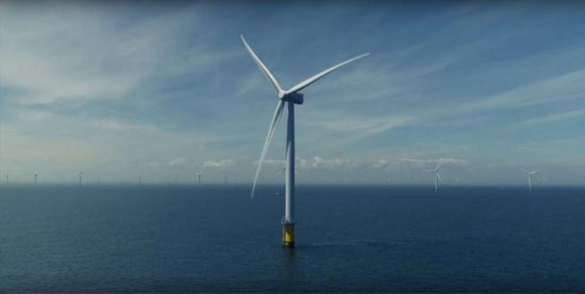 Gran Bretagna, via ai lavori per il parco eolico offshore più grande al mondo