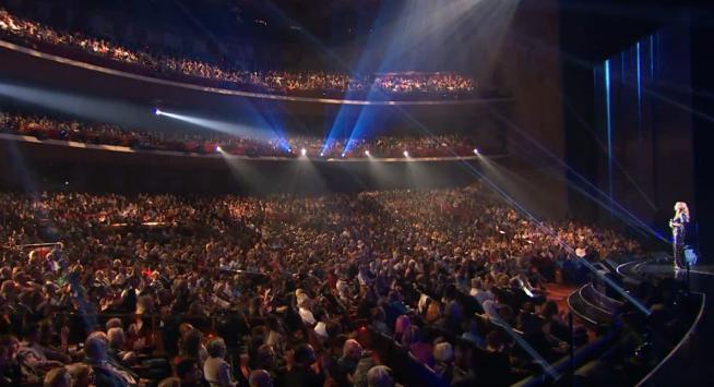 """Celine Dion, il primo ritorno live dopo la morte del marito: """"Siamo sempre insieme"""""""