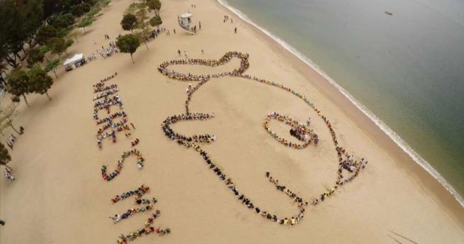 Kids Ocean Day, bambini di Hong Kong in spiaggia per salvare la barriera corallina