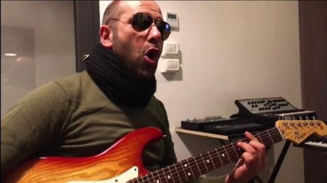 """Checco Zalone, in anteprima su Facebook la colonna sonora di """"Quo Vado?"""""""