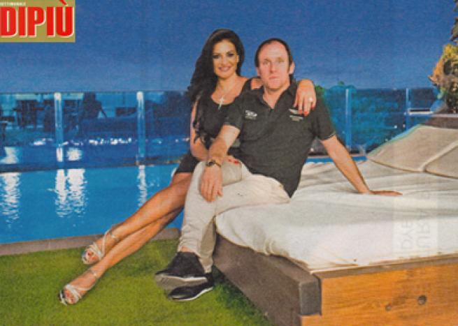 Angela Cavagna, l'ex infermiera sexy di Striscia sposa un milionario