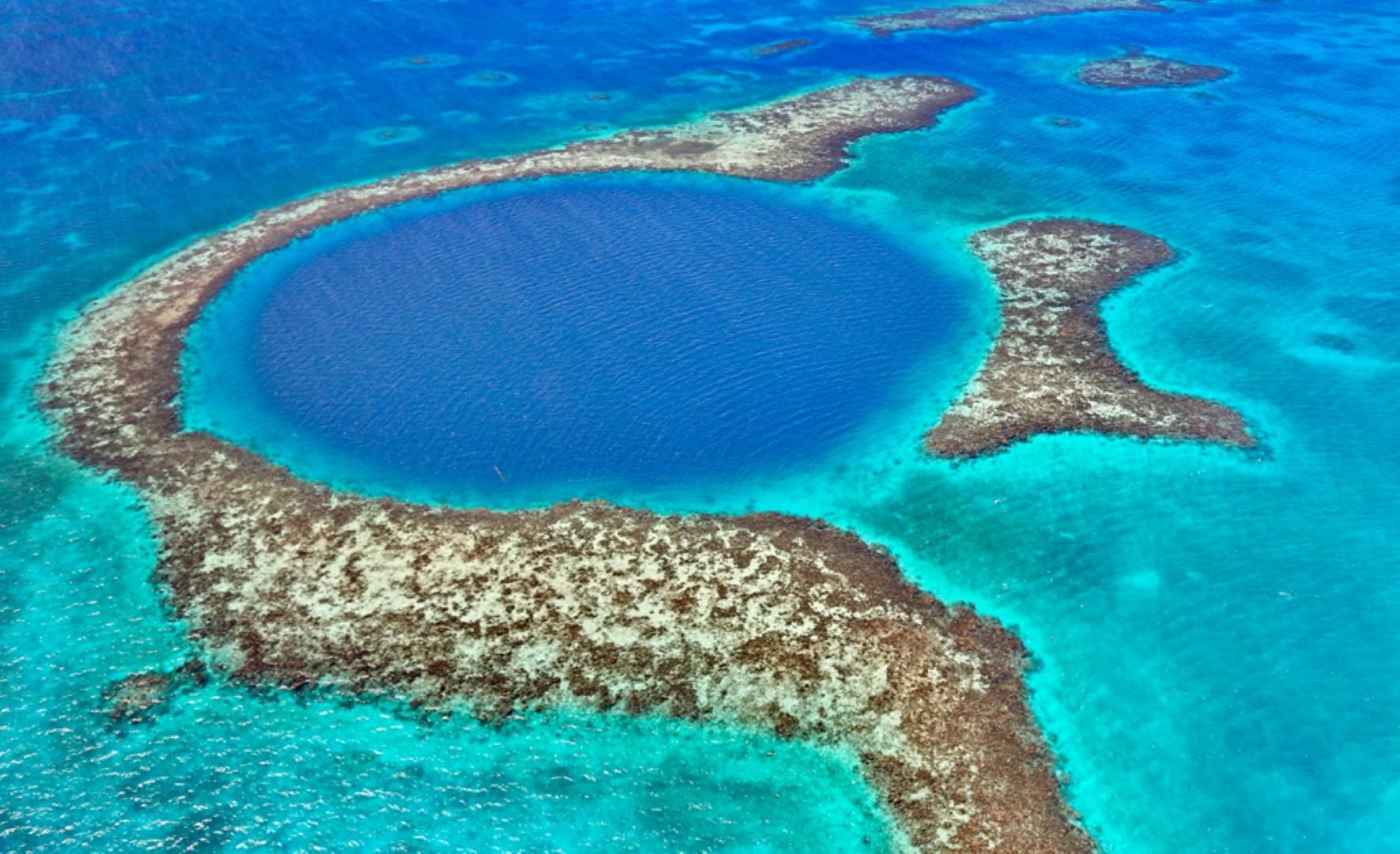 The Great Blue Hole: profondo blu