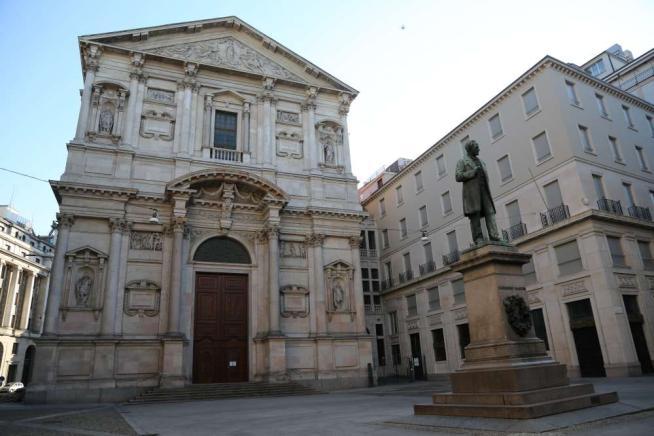 Donnavventura a Milano: Piazza Belgioioso, da Manzoni al Boeucc