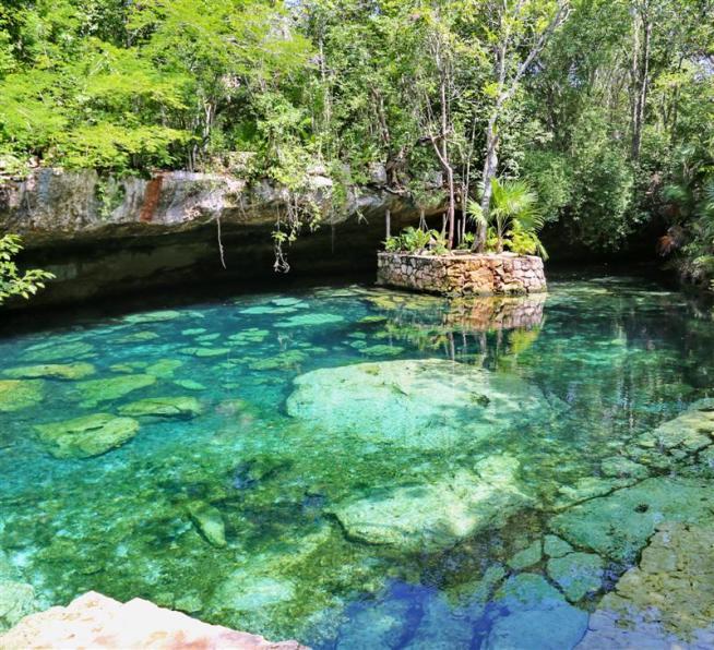 Donnavventura nello Yucatan: un tuffo tra i cenotes