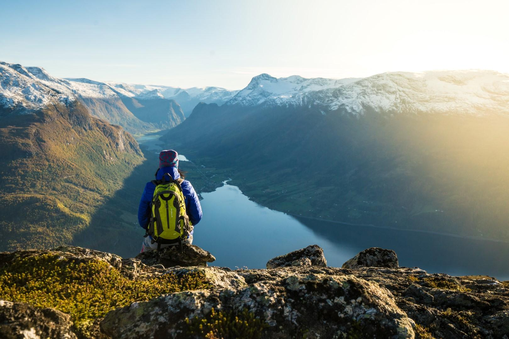 La vertiginosa funivia del Nordfjord in Norvegia