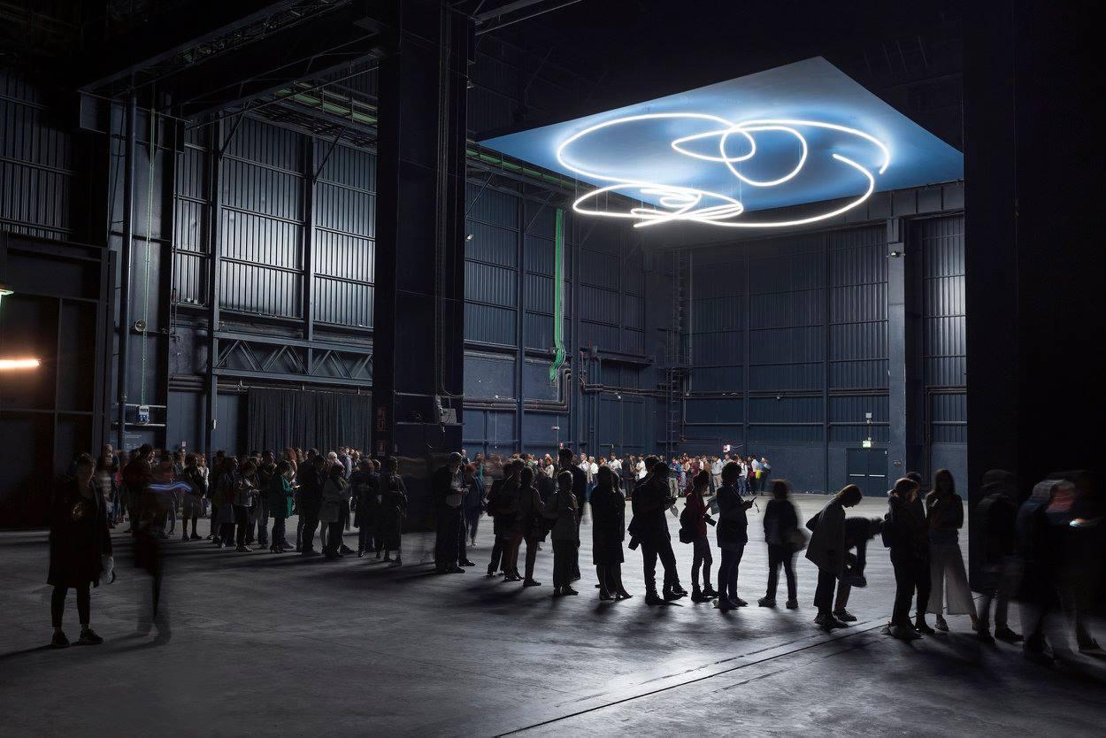 Ambienti : opere inedite di Lucio Fontana in mostra al Pirelli HangarBicocca