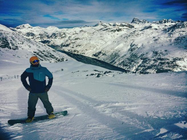 Sondrio, valanga travolge tre snowboarder: morto un 34enne