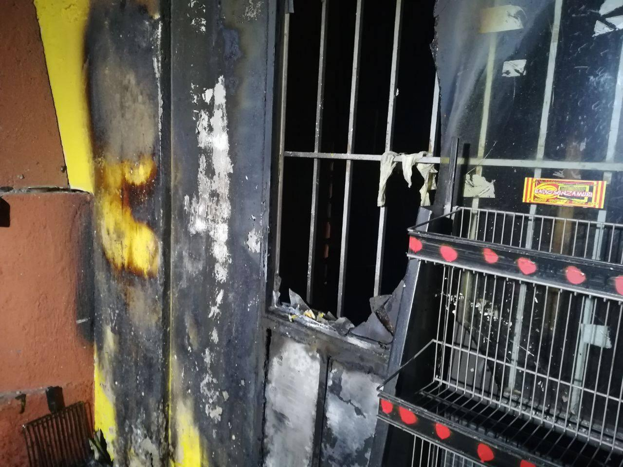 Brescia, incendio in centro sociale: per i militanti  è un attacco fascista