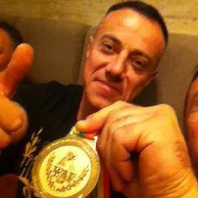Mondiali di braccio di ferro: un italiano sul tetto del mondo