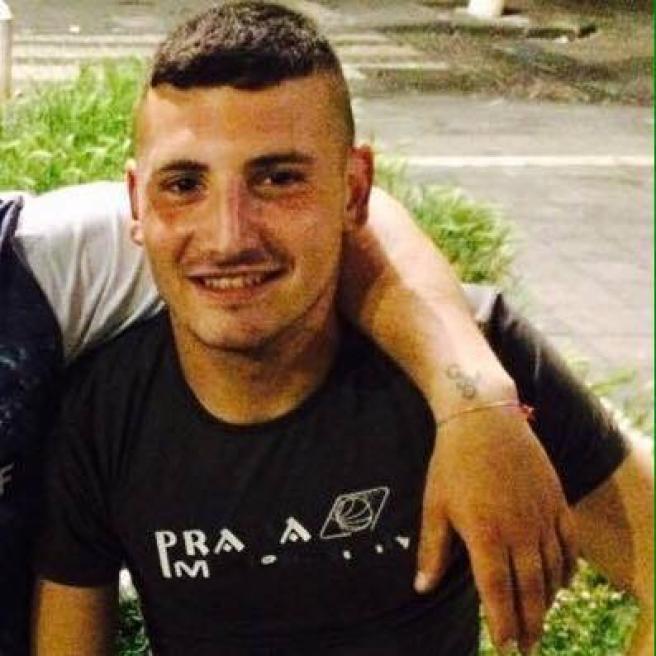 Napoli, ucciso il 18enne scomparso: corpo seppellito in un campo agricolo, un fermo