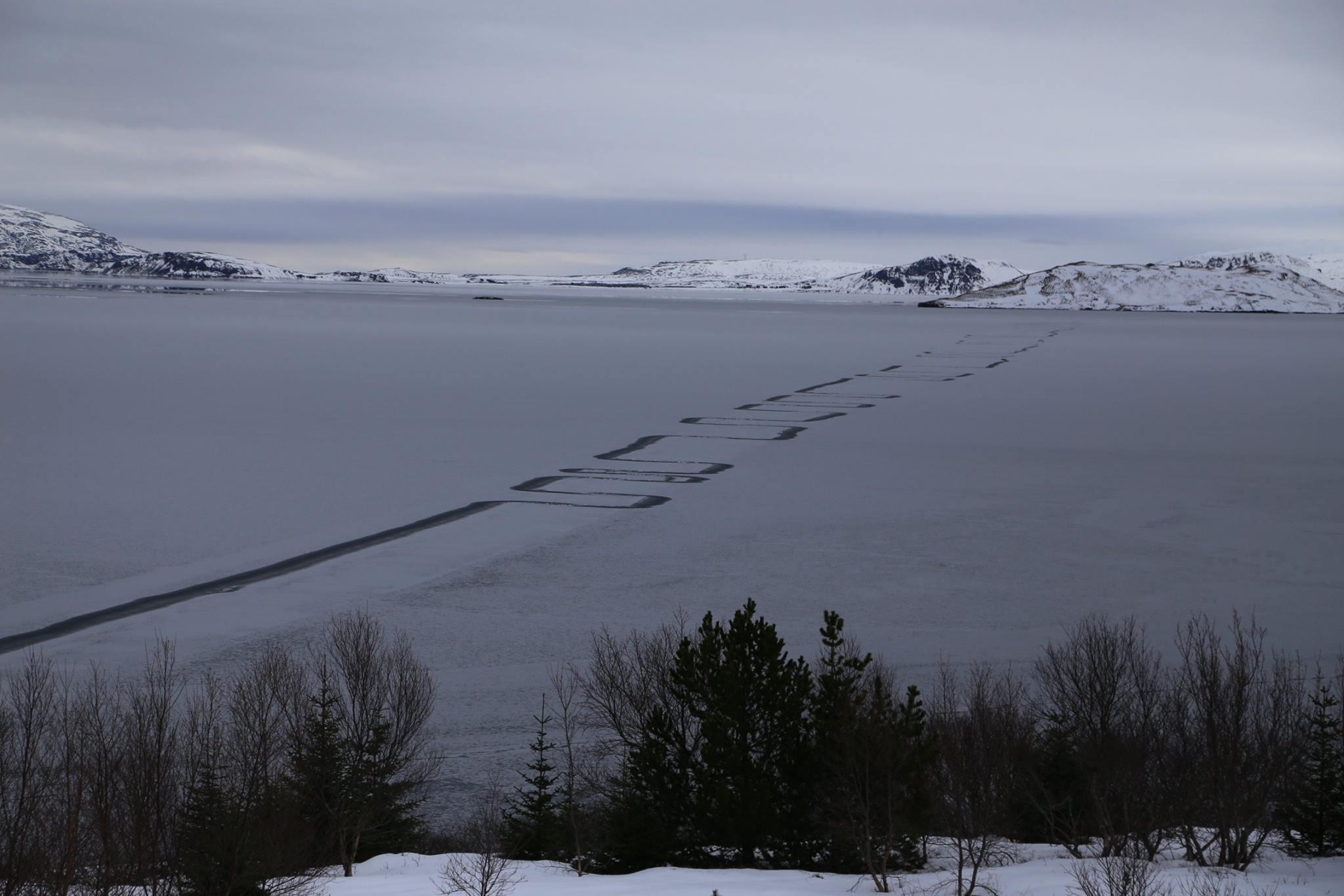 Islanda, sul lago ghiacciato di Thingvallavatn il fregio decorativo degli alieni?