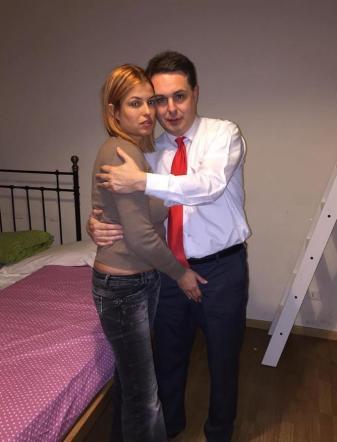 Sara Tommasi Completamente Nuda Sul Letto Con Andrea Diprè Tgcom24
