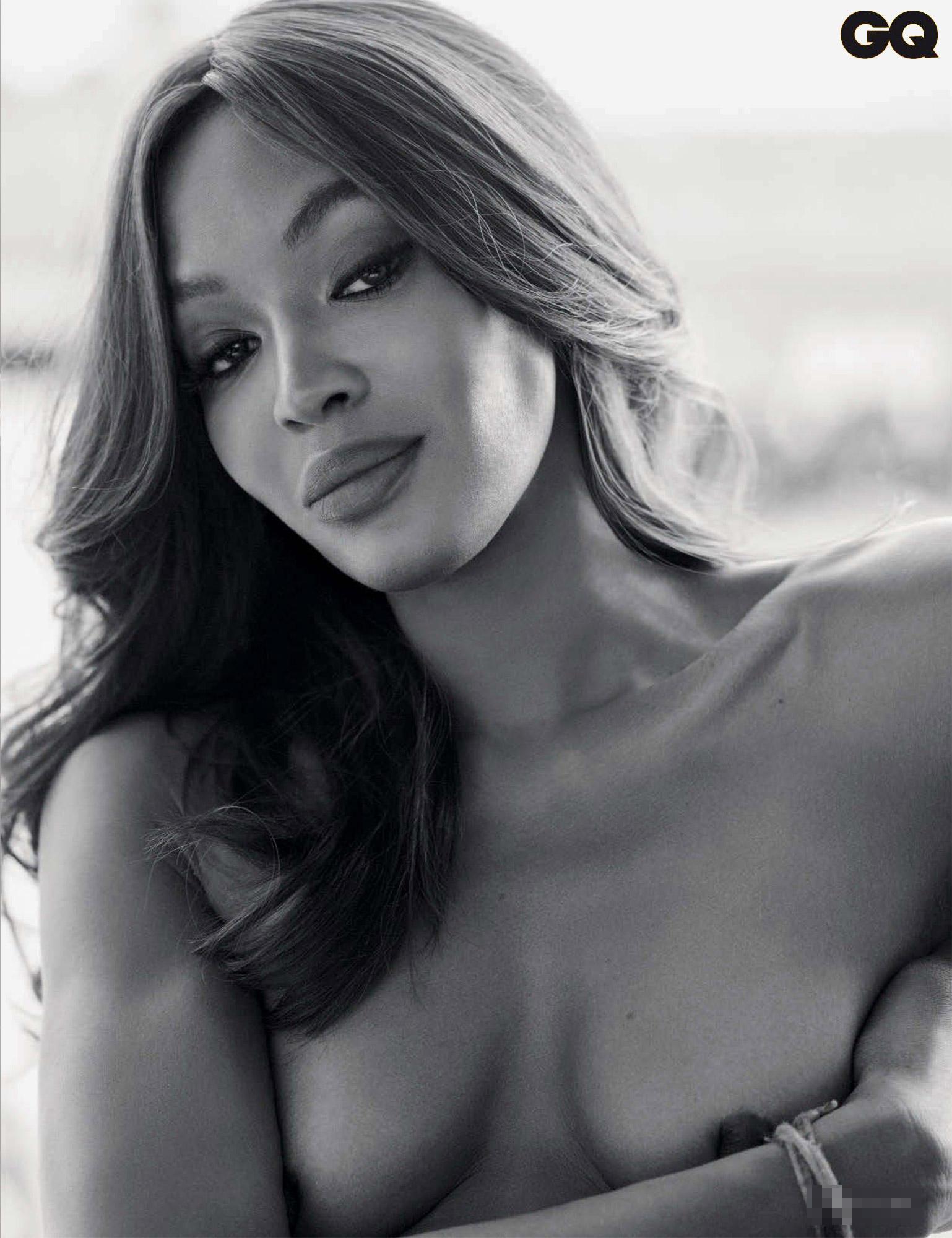 Naomi Campbell, a 46 anni il suo nudo per Gq è statuario