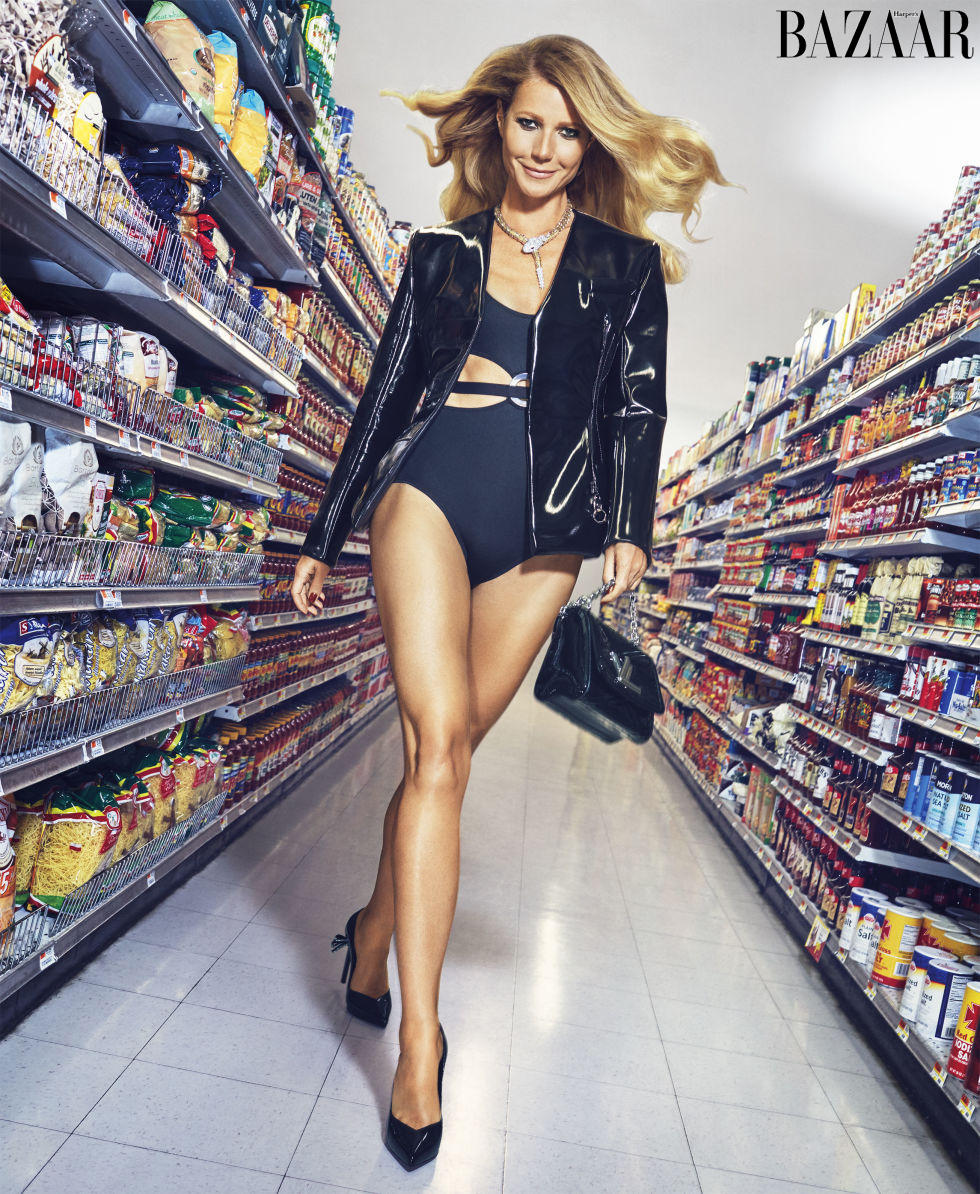 Gwyneth Paltrow, mammina sensuale al supermercato