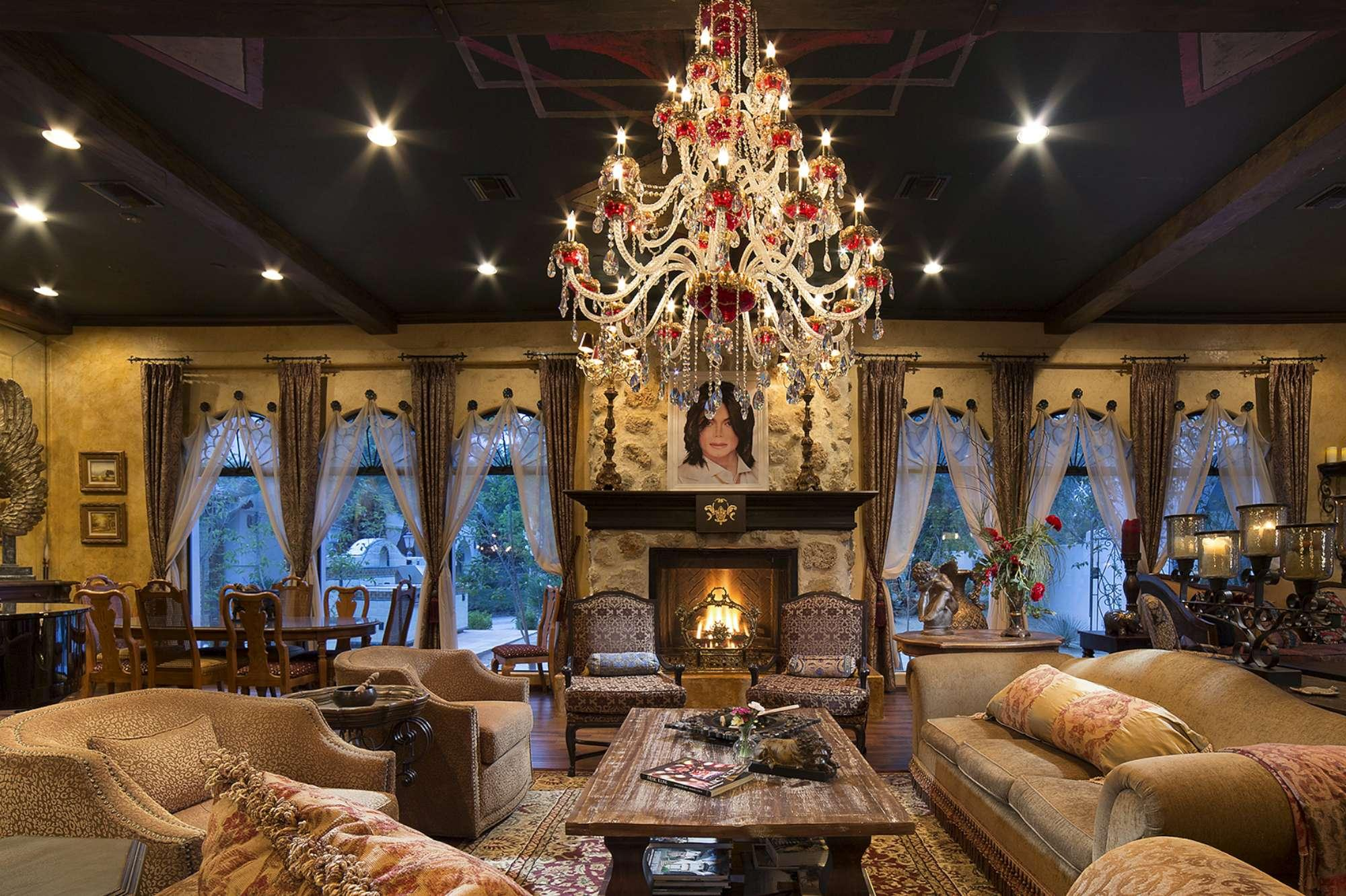 Las vegas in vendita la mega villa di michael jackson per for Mega motors las vegas