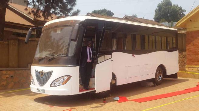 Uganda, il bus elettrico a energia solare