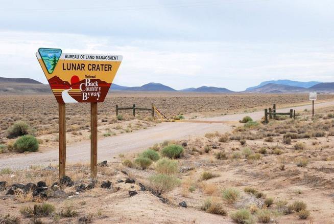 Nevada, lo spettacolo del cratere lunare