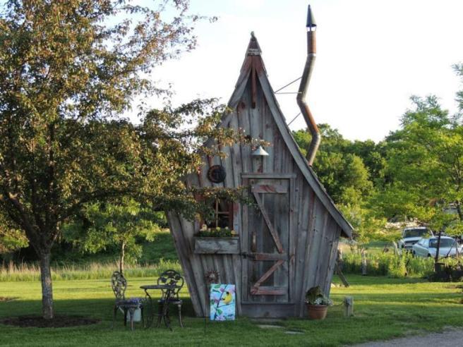 Case Piccole In Legno : Legno riciclato per le piccole case delle favole firmate da dan