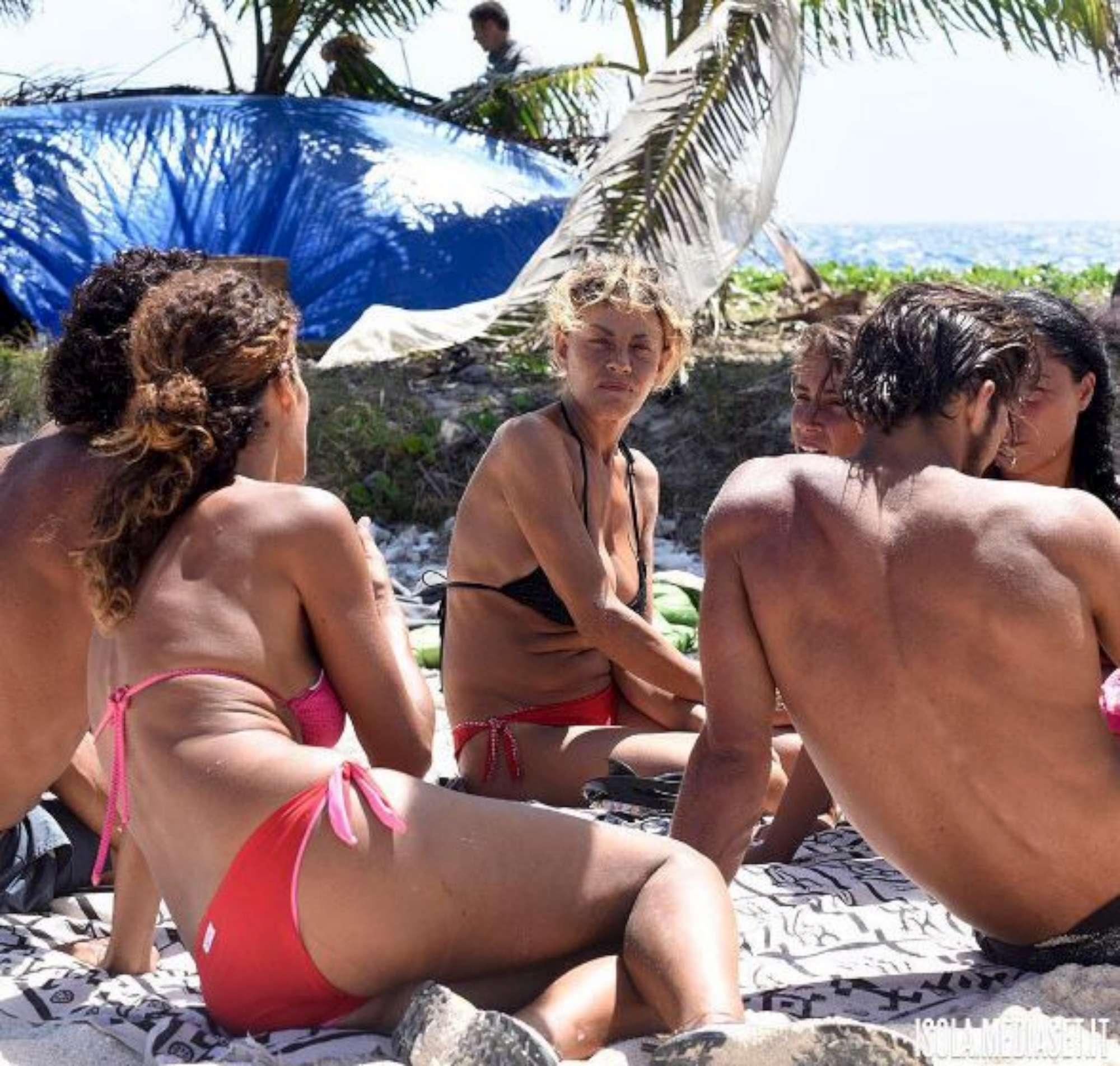 Isola dei Famosi Rocco parte per la gioia di Samantha
