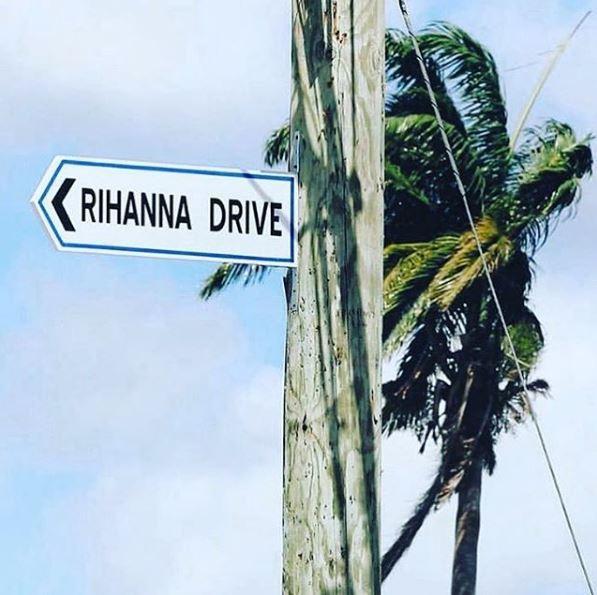 Le Barbados dedicano una via a Rihanna