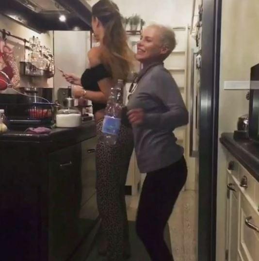 Vip in cucina: da Cassano col mattarello a Belen che sculetta ...