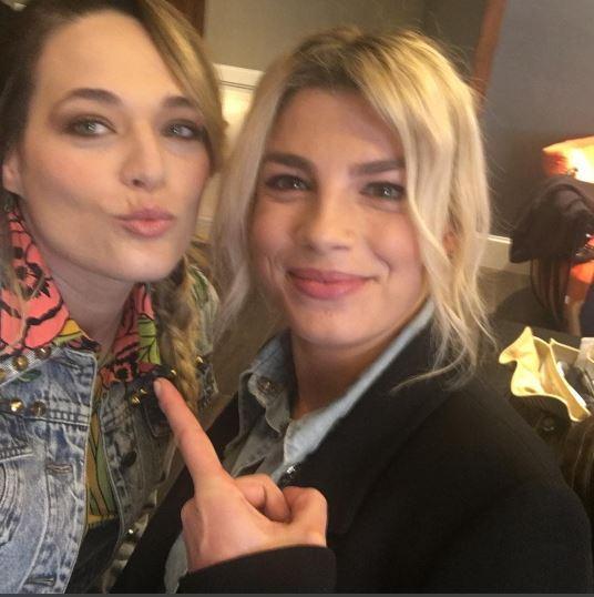 Emma Marrone e Laura Chiatti, sorpresa dopo le riprese: la novità