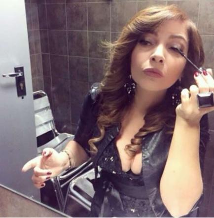 Cristina d 39 avena la foto sexy davanti allo specchio fa - Foto allo specchio ragazzi ...