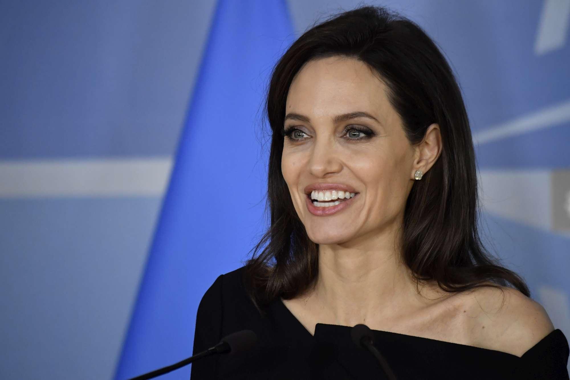 Angelina Jolie collaborerà con la Nato contro violenze sessuali