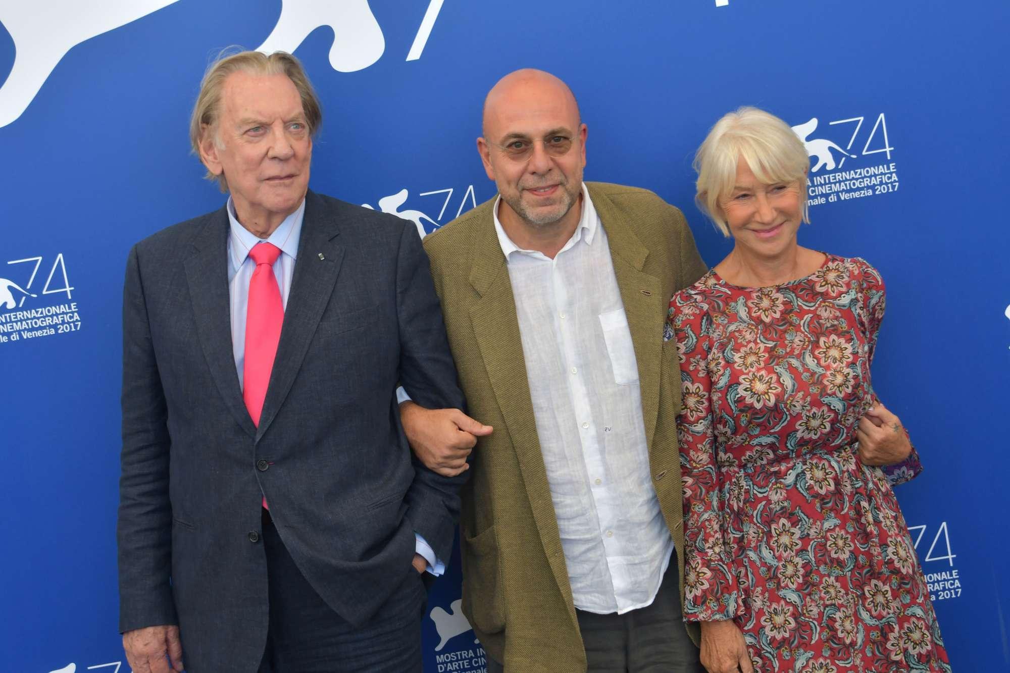 Venezia 74, Helen Mirren e Donald Sutherland coppia in fuga nel film di Paolo Virzì