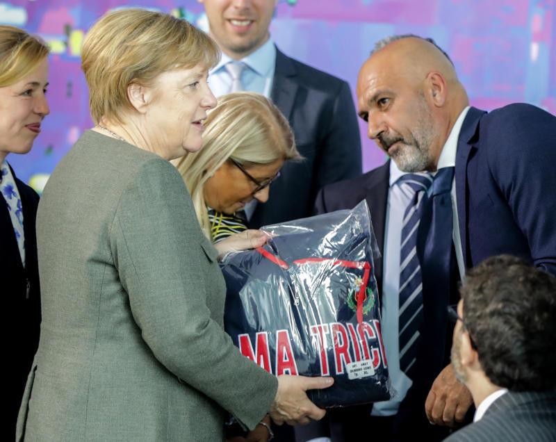 Terremoto: Angela Merkel incontra il sindaco di Amatrice