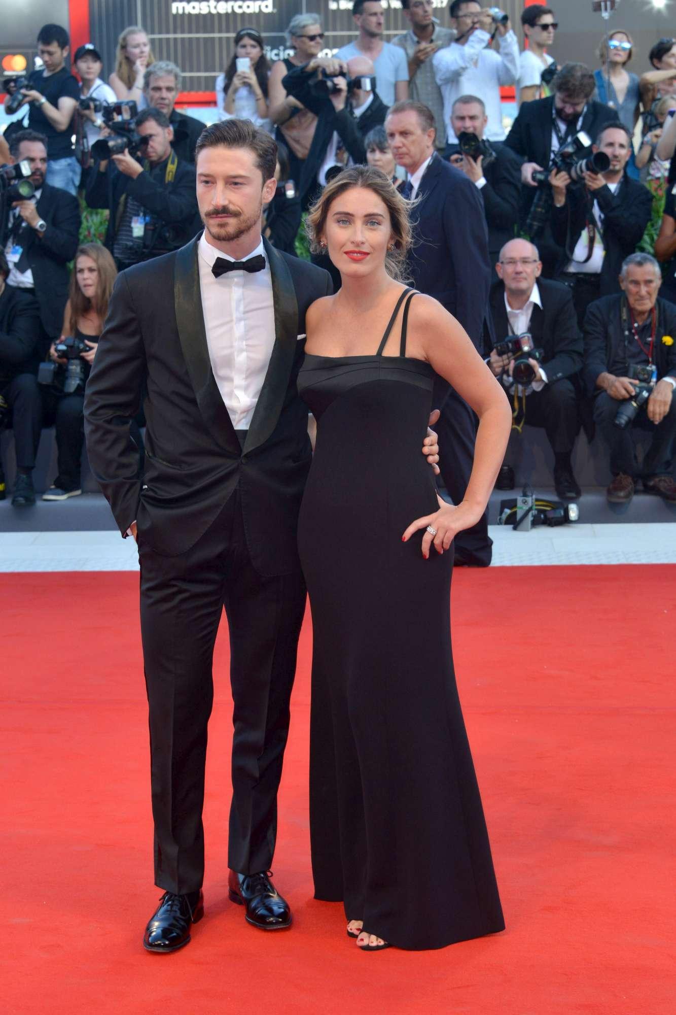 Maria Elena Boschi... Chi è quella diva sul Red Carpet di Venezia 74?