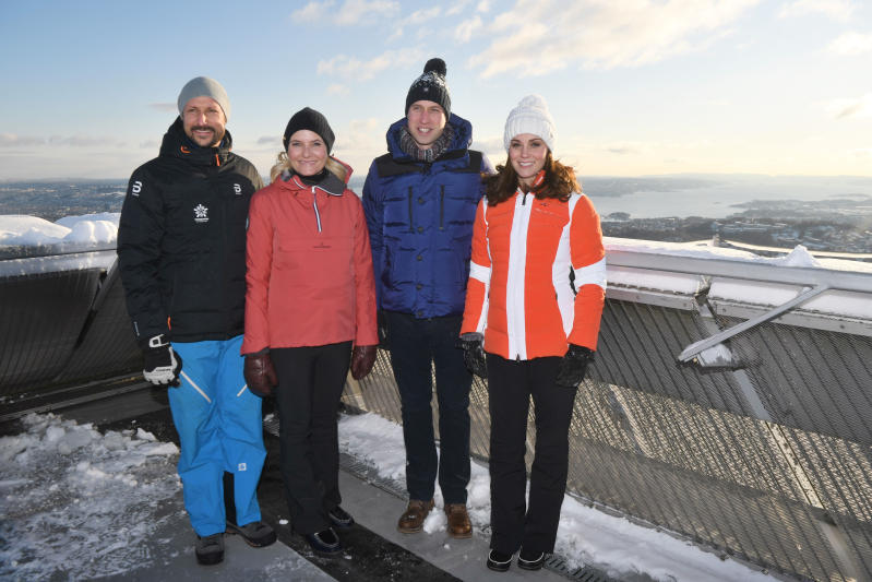 Kate Middleton sulle piste da sci con William