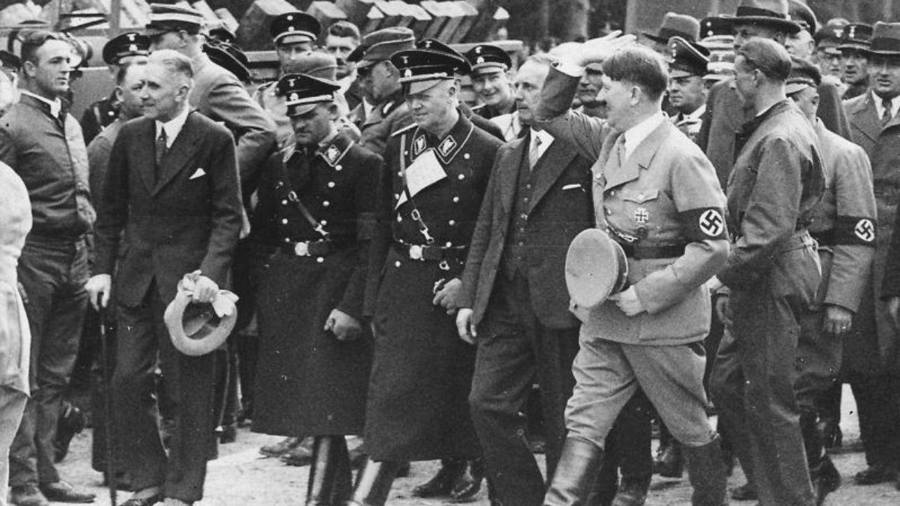 Seconda guerra mondiale le foto inedite di hitler e delle for Decorati 2 guerra mondiale