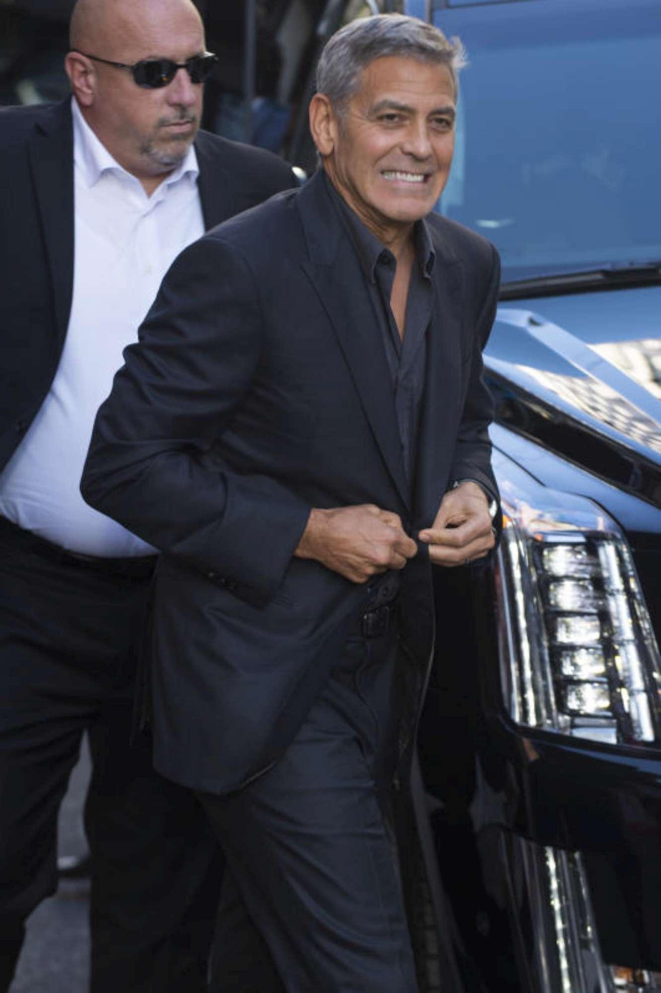 """George Clooney: """"Piango quattro volte al giorno... più dei gemelli"""""""