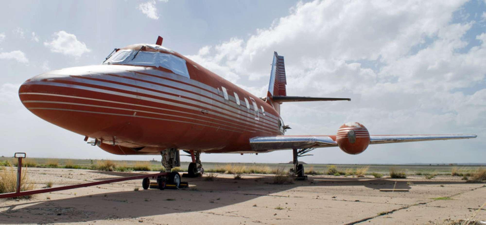 Jet Privato Treviso : Elvis presley all asta il primo jet privato del re del rock