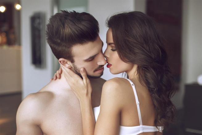 Cinque pensieri che aiutano a raggiungere l'orgasmo